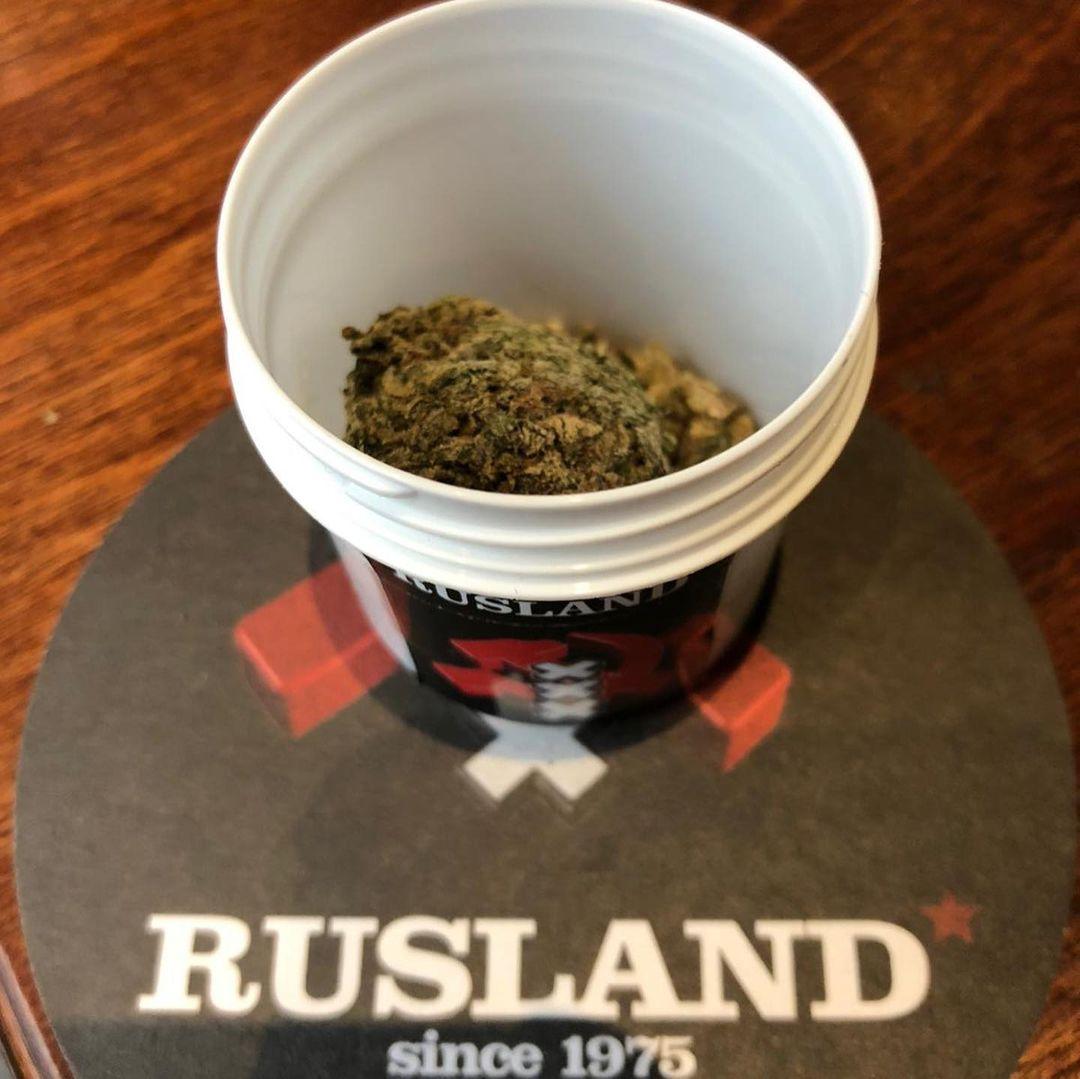 где курить марихуанну в амстердаме